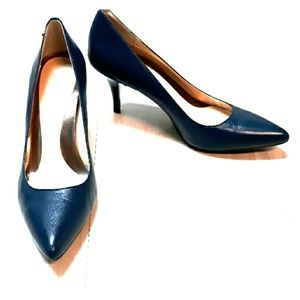 Calvin Klein pointed toe heel shoes sz 7 in blue